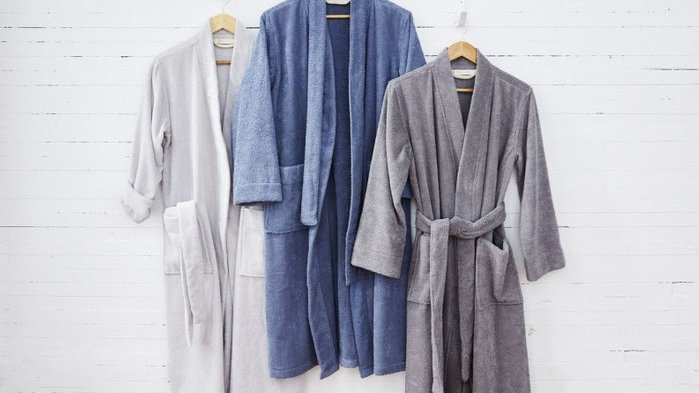 Unisex Airweight Organic Robe