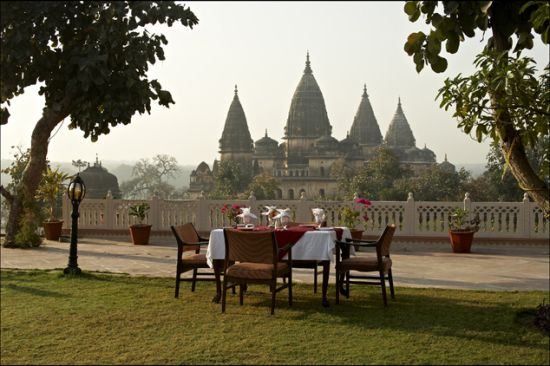 Garden - Amar Mahal Orchha.jpg