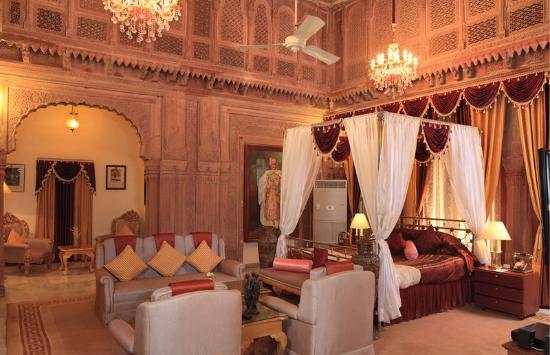 Suite- Laxmi Niwas Palace Bikaner