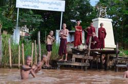 Myanmar Lake Inley