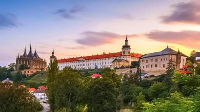 Chrám sv. Barbory a zámeček Kutná Hora