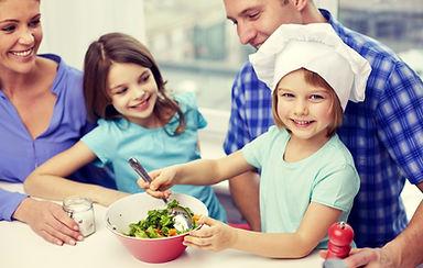 家族で料理