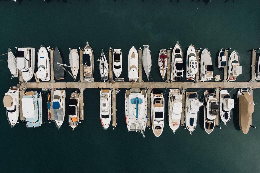 marina_boat_dock_sailboat_drone_view-947