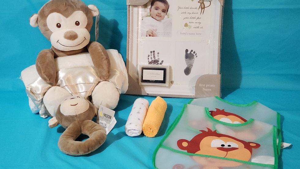 BABY MONKEY WITH BLANKET BASKET