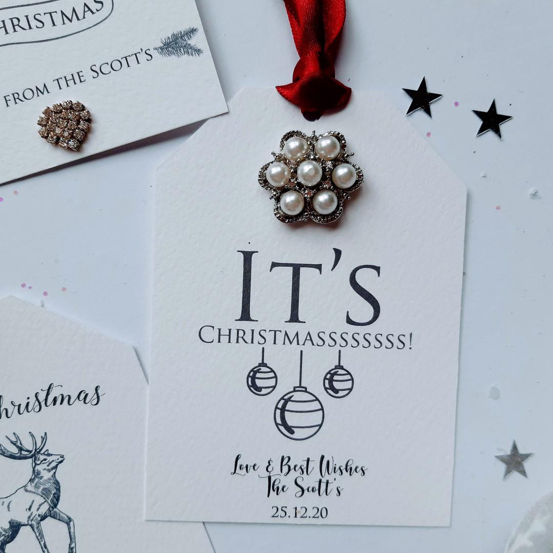 Christmas Gift Tag With Large Embellishment