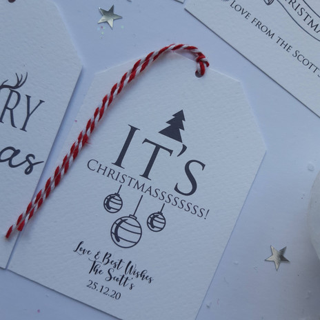 Personalised luxury Christmas gift tag with baubles