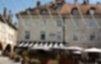 Vue sur l'immeuble des appartements de Val-Perriere et sur la Brasserie Aux-Docks