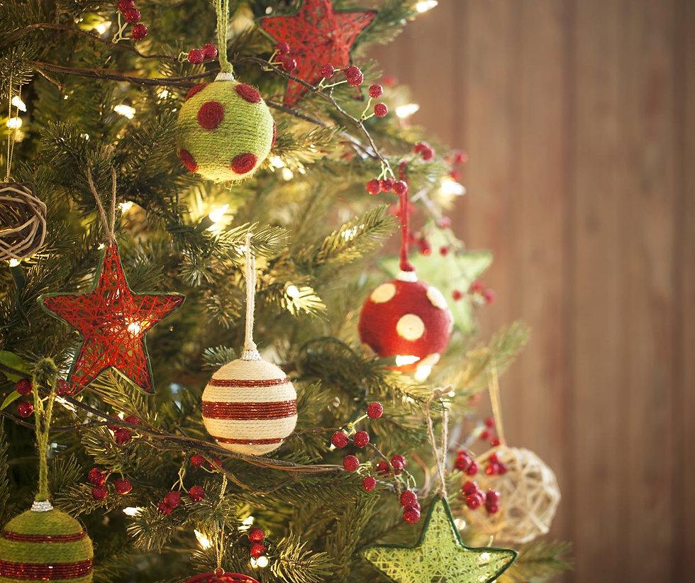 Christmas-tree-1240.jpg