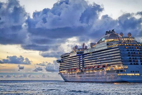 Cruise Ship leaving St. Thomas - Photo b