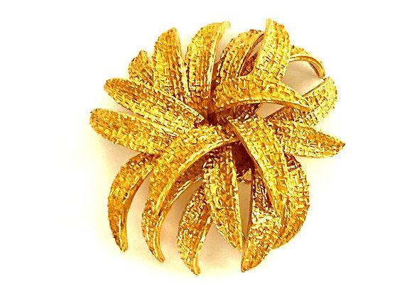 Van Cleef & Arpels 18K Yellow Gold Texturized flower Brooch Vintage