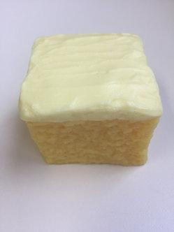 Cake, yellow (2 in. x 2 in. x 1-3/4 in.)