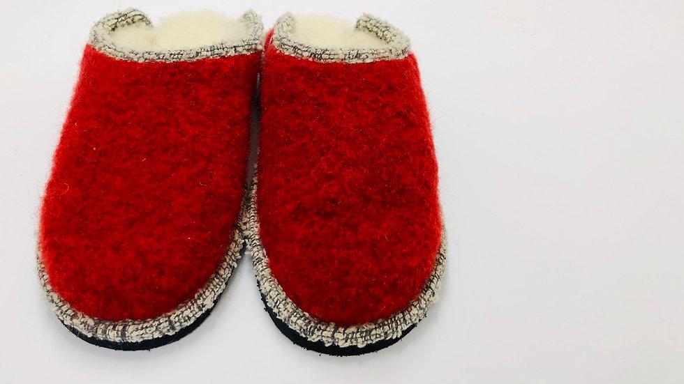 Hausschuhe mit verstärkter Sohle | Pantofole