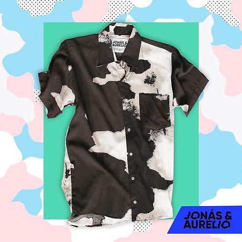 Camisa Chalis Manga Corta unisex negra con nubes