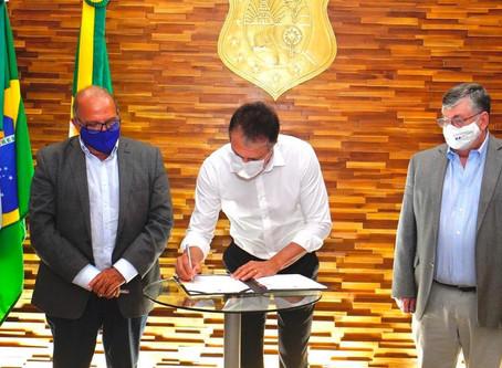 Governo negocia instalação de refinaria no Pecém