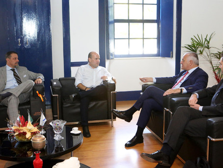 Prefeito Roberto Cláudio recebe embaixador da Itália no Brasil