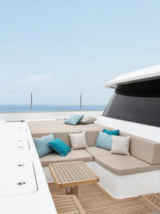 Tranquil foredeck terrace