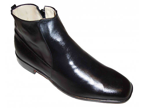 Modena: John Boot