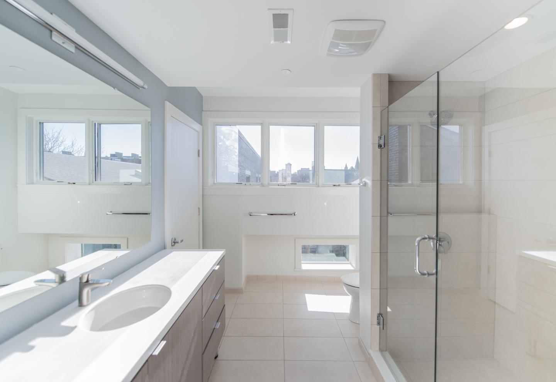 Osborne Condos Bathroom