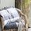 Thumbnail: Kissenbezug mit grauen Streifen