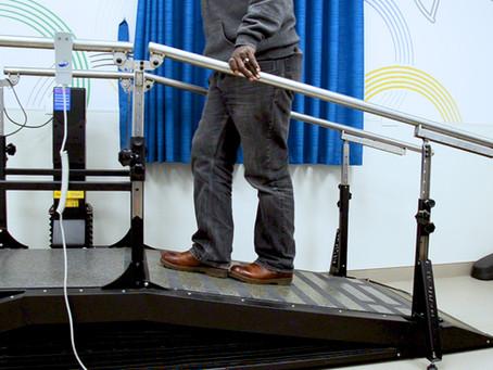 Balance and strength – 'heel to toe' slope climb