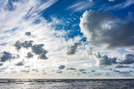 Horizon Clouds