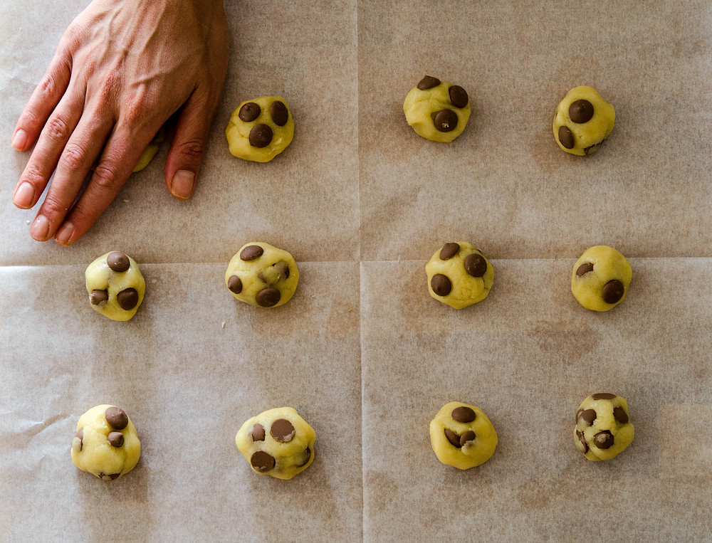עוגיות שוקולד צ'יפס ומרציפן