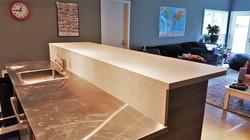 Solid Surface Bar & Integral Splash