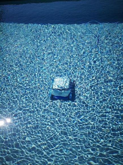 robot  piscine materiel et produits d'entretien d episcine à Perigueux Dordogne