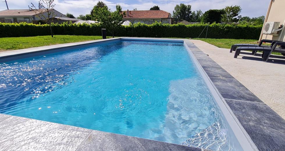 Bell eau piscines constructeur piscine perigueux dordogne piscine en bois volet securite piscine changement liner (6).jpg