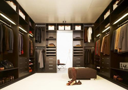 walk-in-closet-500x500