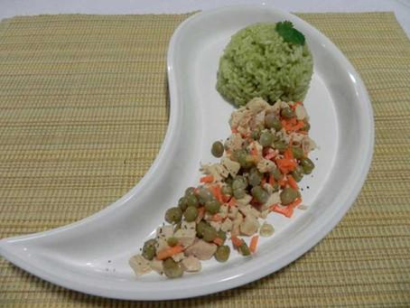 Arroz verde con pollo y verduras