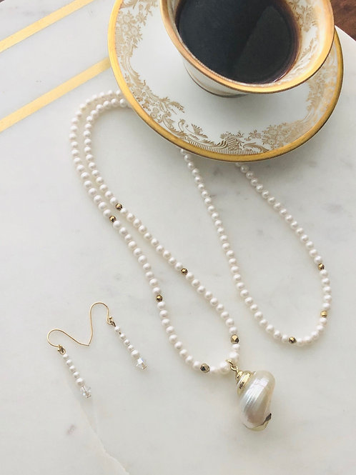 Marilyn Pearl Necklace