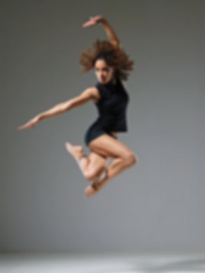 Dominique jump color.jpg