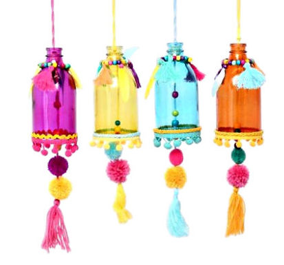 Pom Pom Hanging Bottle