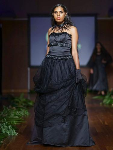 2019 Lisa Fatnowna Fashion Designer: Cheryl Creed Fashion Label: @murriiquucouture Event: Eco Fashion Week Australia Location: Port Douglas 2018 @ecofashionweekaustralia