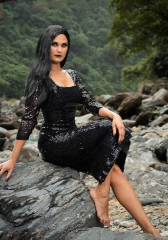 2020 Benita WilliamsWearing A Stunning Black Sequin Gown Fashion Designer: Cheryl Creed Fashion Label: @murriiquucouture MUA: @glamnationbyjoanne PHOTO CREDIT: @styleproductionscairns productionscairns Location: Baron Gorge National Park