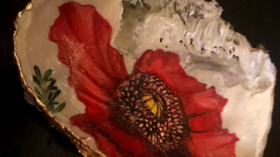 """""""Red Poppy"""" Oyster Ornament"""