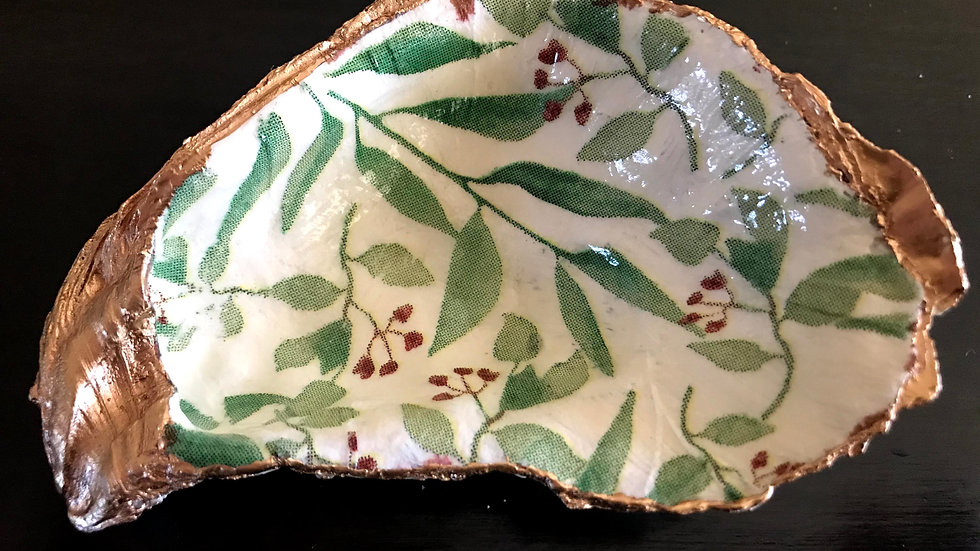 """Rowan Tree"" - Oyster Ornament"