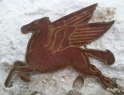 Rusty Mobil Pegasus