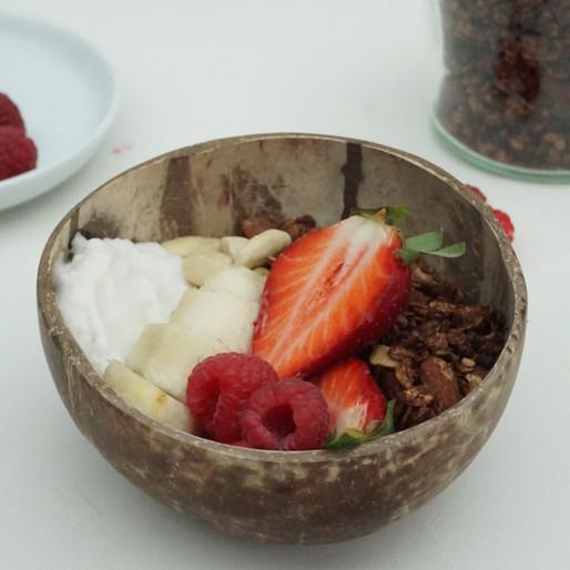 Schoko-Mandel Granola (vegan, ohne raffinierten Zucker, glutenfrei)