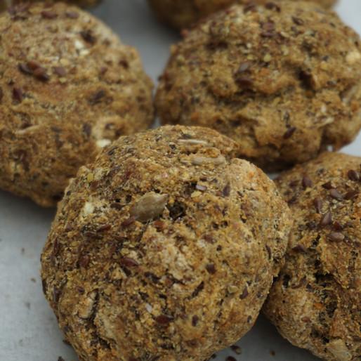 Knusprige Saaten-Brötchen (vegan, glutenfrei, ohne raffinierten Zucker)