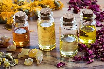 DIY-How-to-Make-Perfume-with-Essential-O