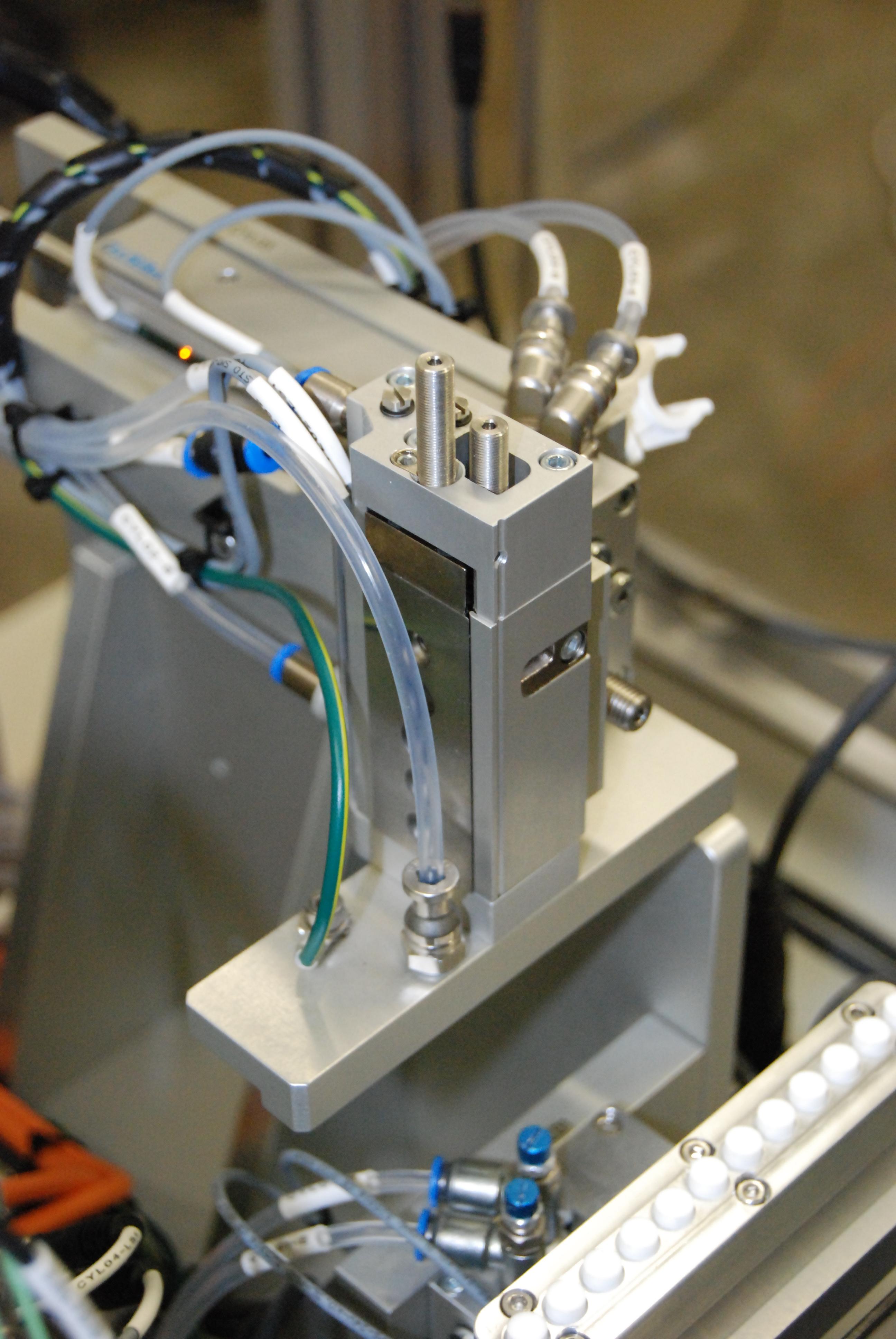 Frit Mechanism