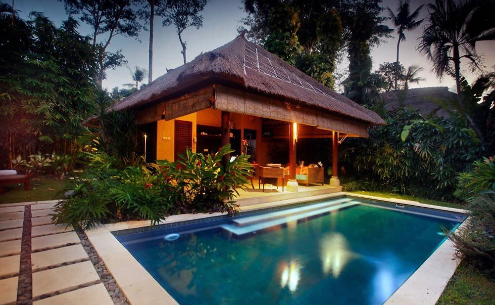 bali villa swimming pool