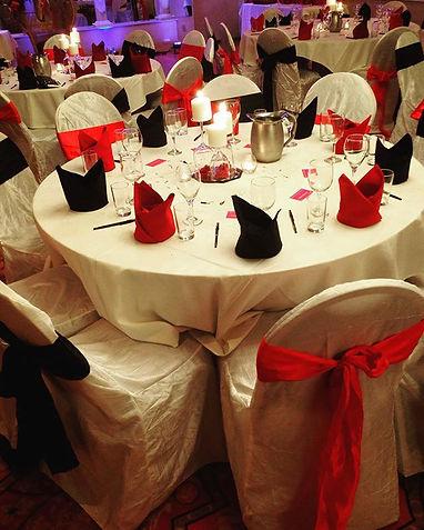 wine theme, black an red