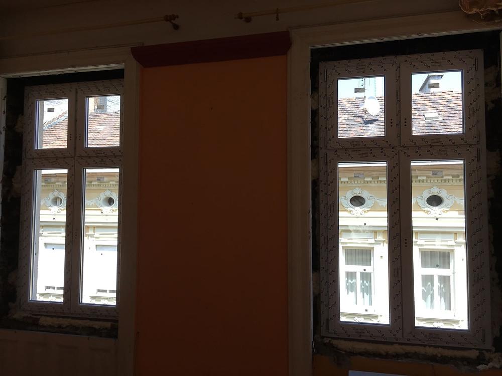Ref. 38: Nyílászárócsere, szúnyogháló, redőnybeépítés klasszikus épületben a Teréz körúton