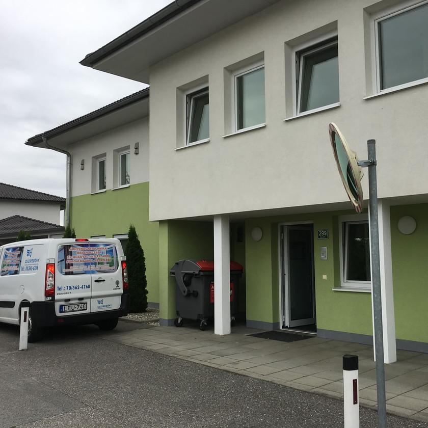 Ried (Ausztria) nyílászárócsere redőnybeépítéssel - Csiziredőny
