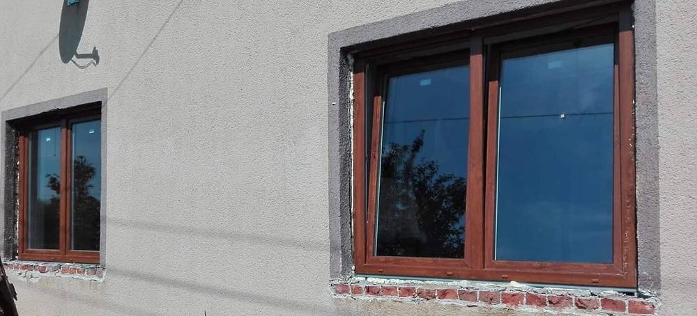Belső tokos redőny ablakra szerelve - Siófok Sóstó üdülő