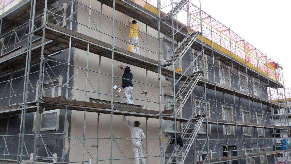 Nyílászáróbeépítés egy svájci társasházban