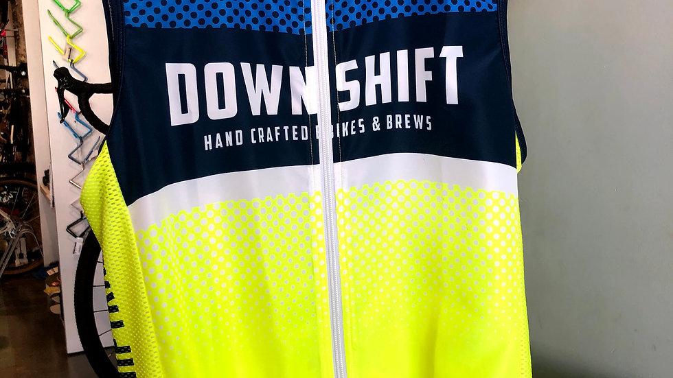 Downshift Cutaway Stowaway Vest